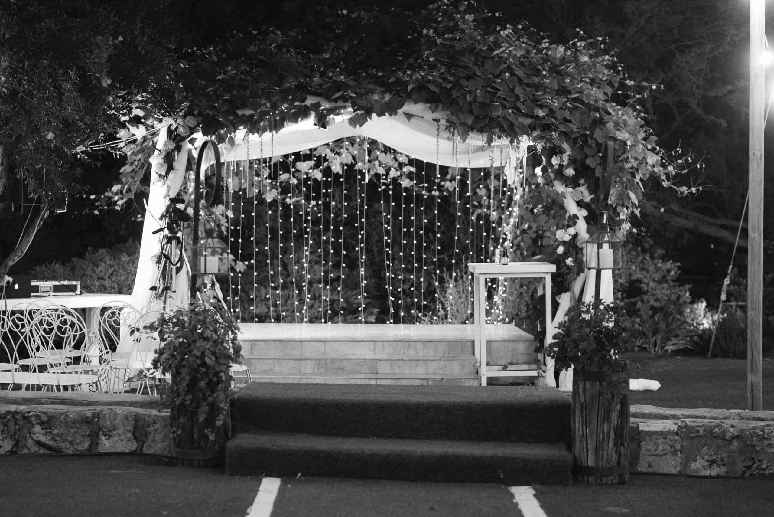 יובל ואורן – מגנטים בשחור לבן