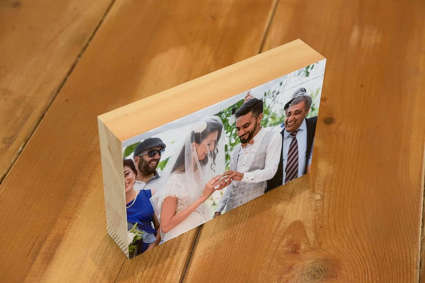 תמונות על בלוק עץ לאירועים